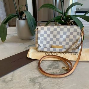 Beautiful Louis Vuitton favorite pm Azur